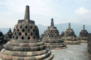 Jour 2: Yogyakarta – Borobudur